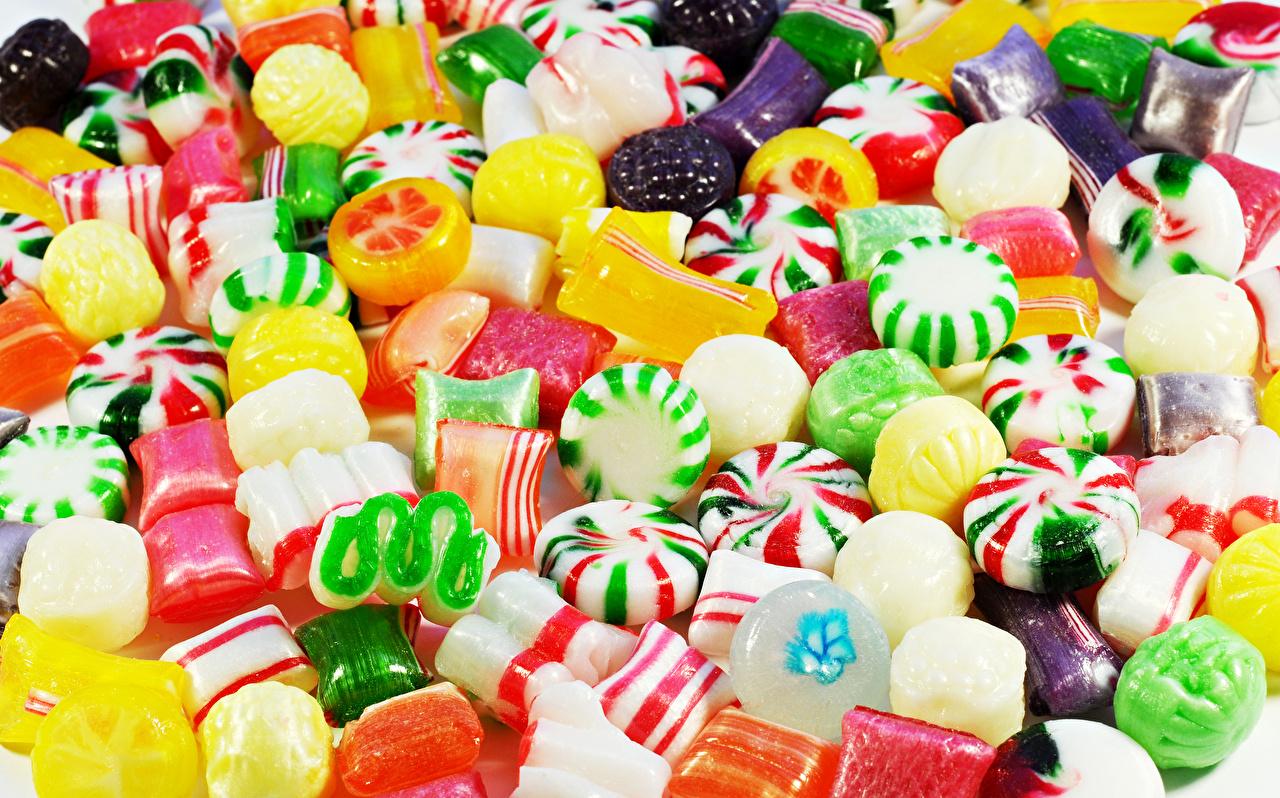 Картинки Конфеты Пища Много Сладости Еда Продукты питания сладкая еда