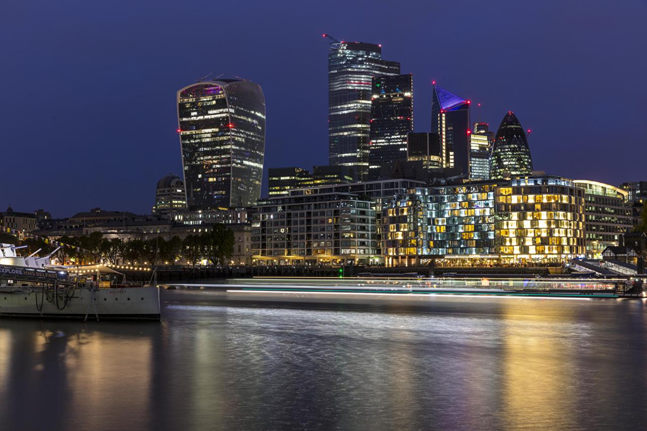 Картинки Лондон Англия речка Вечер Причалы Дома Города лондоне Реки река Пирсы Пристань город Здания