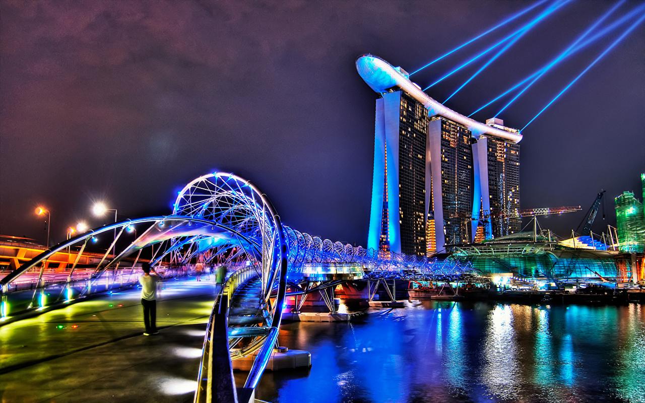 Фотография Лучи света Сингапур HDRI мост Гостиница ночью Небоскребы город HDR Мосты Отель отеля гостиницы Ночь в ночи Ночные Города