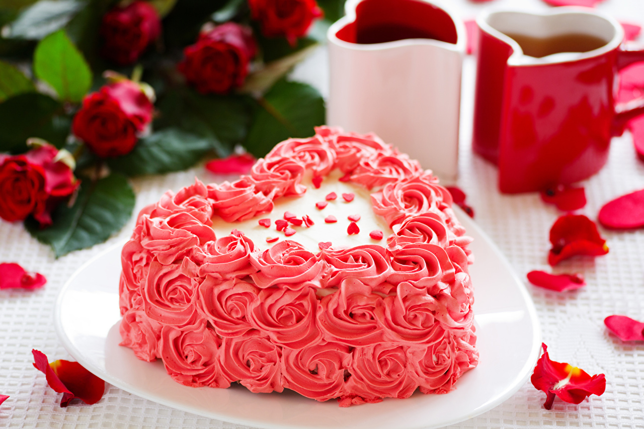 Фотография День святого Валентина Сердце Торты Лепестки Продукты питания Сладости Дизайн День всех влюблённых сердечко Еда Пища