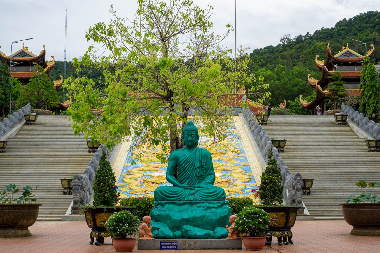 Фотографии Монастырь Вьетнам Truc Lam Ho Quoc Zen Monastery in Phu Quoc Лестница Пагоды храм город Скульптуры лестницы Храмы Города скульптура