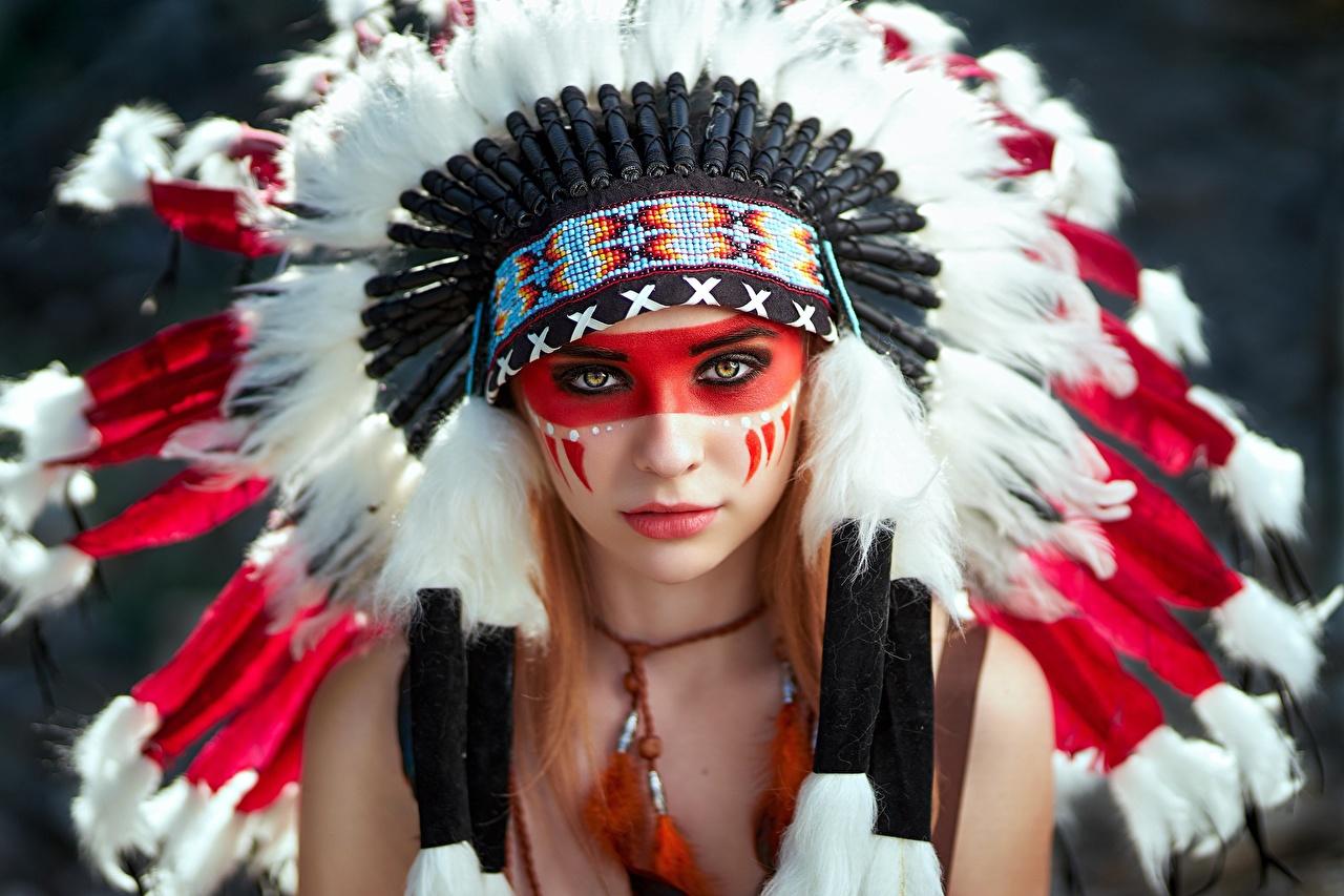 Картинки индеец Alena Tzurcan, Vyacheslav Tzurcan красивая Индейский головной убор Лицо Девушки смотрит индейца Индейцы красивый Красивые лица девушка молодые женщины молодая женщина Взгляд смотрят
