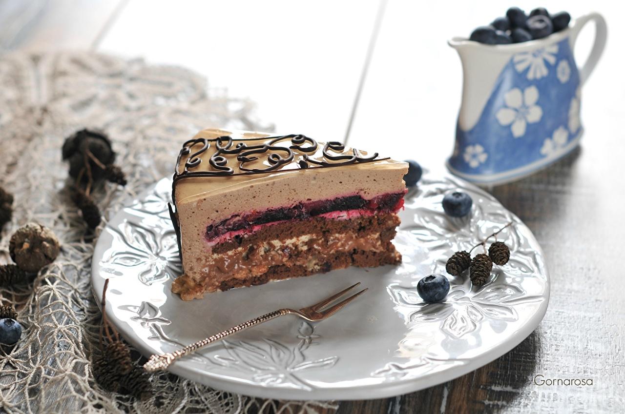 Картинка Торты Пища Тарелка Пирожное Еда тарелке Продукты питания