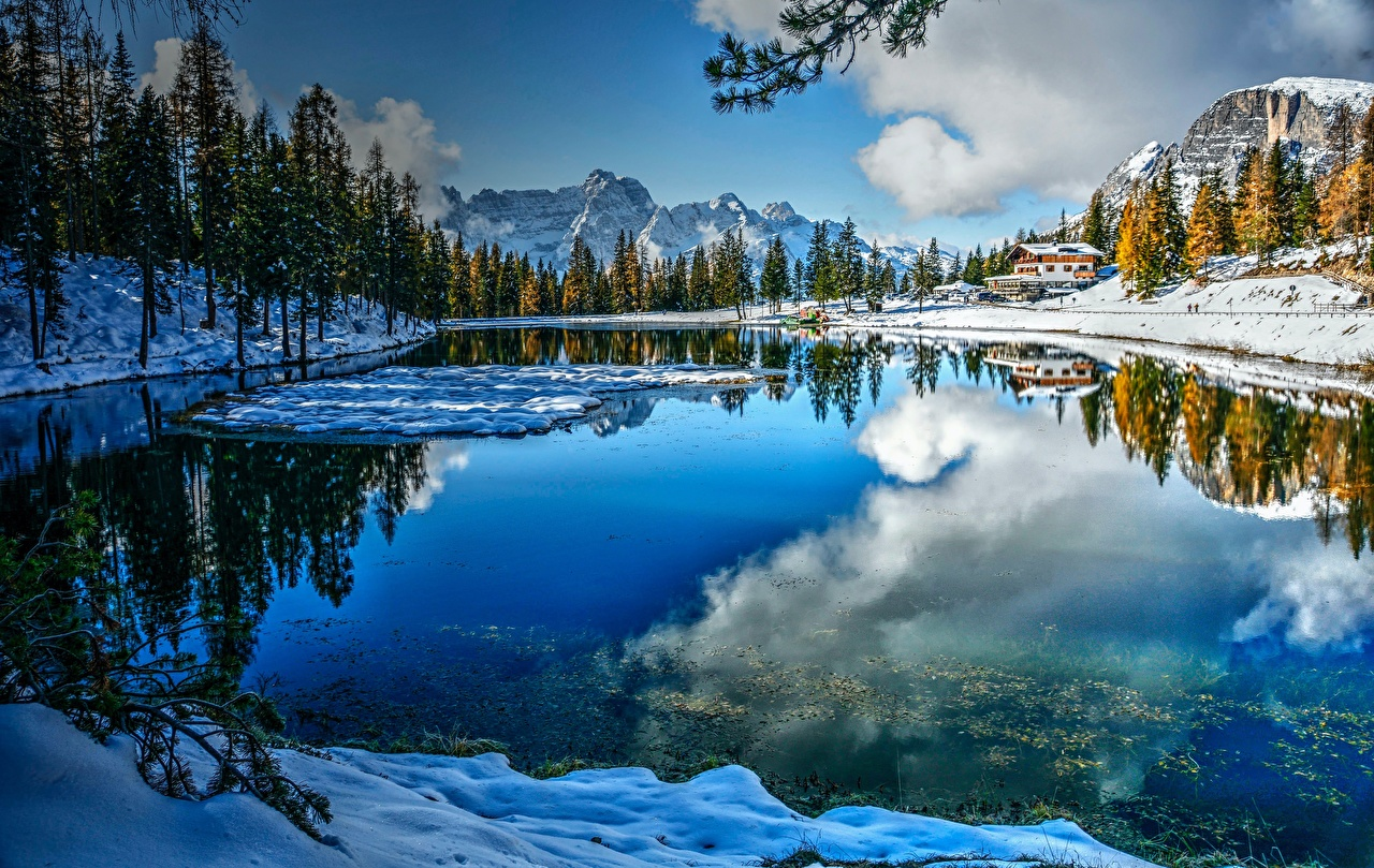 Картинка Альпы Италия Dolomites, Lake Misurina гора зимние Природа Озеро деревьев альп Зима Горы дерево дерева Деревья