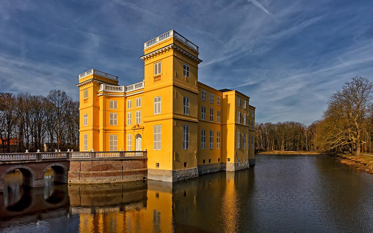 Фотографии Бельгия D'Ursel Castle замок Природа Пруд Замки