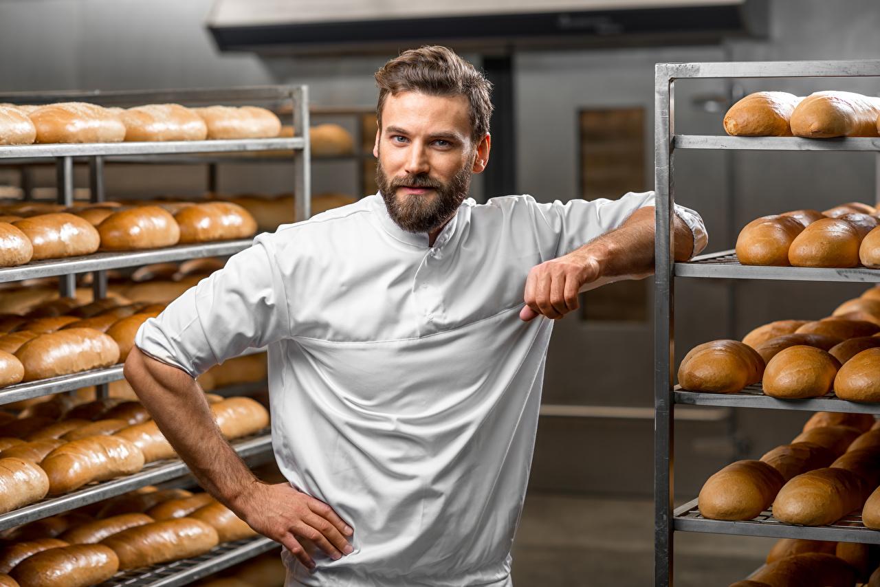Картинка Мужчины Хлеб Повар смотрят повары повара Взгляд смотрит