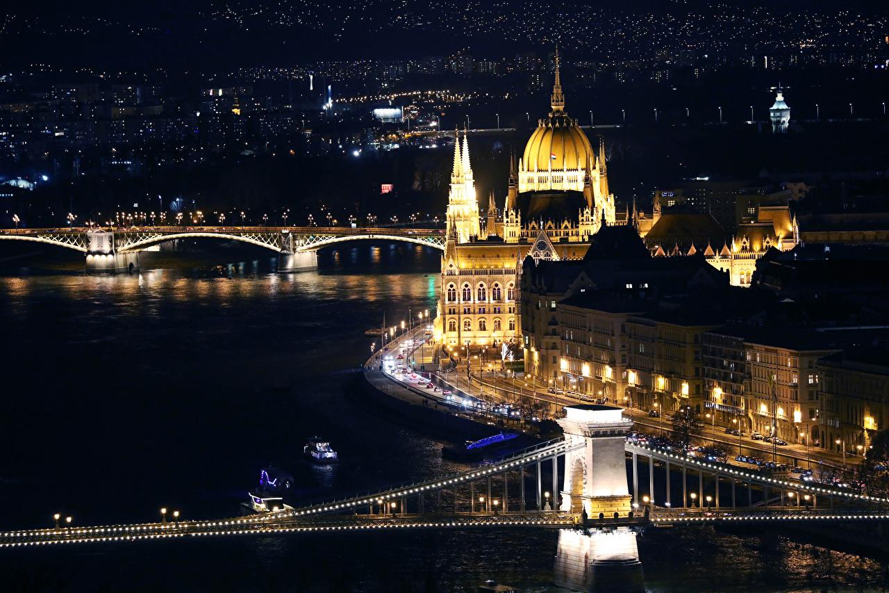 Фотография Будапешт Венгрия мост речка в ночи Города Здания Мосты Ночь Реки река ночью Ночные Дома город