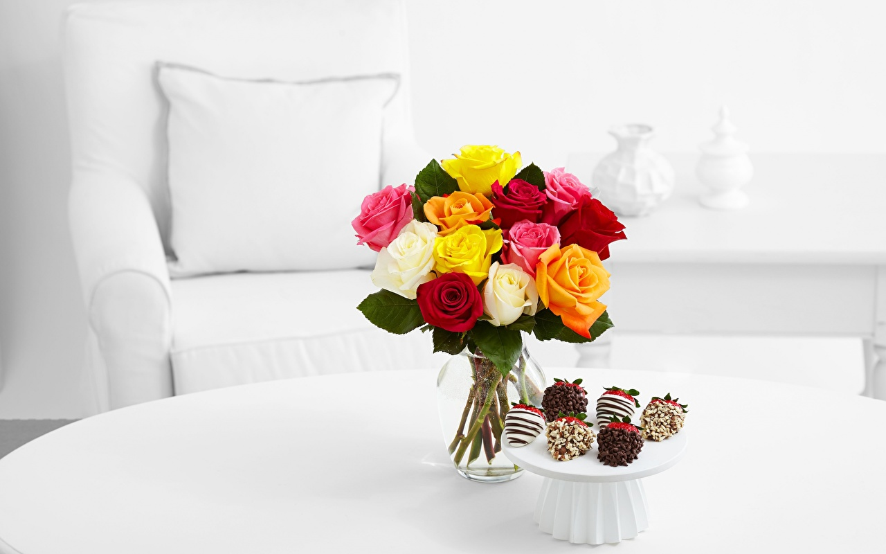 Фото Букеты роза Цветы стола букет Розы цветок Стол столы