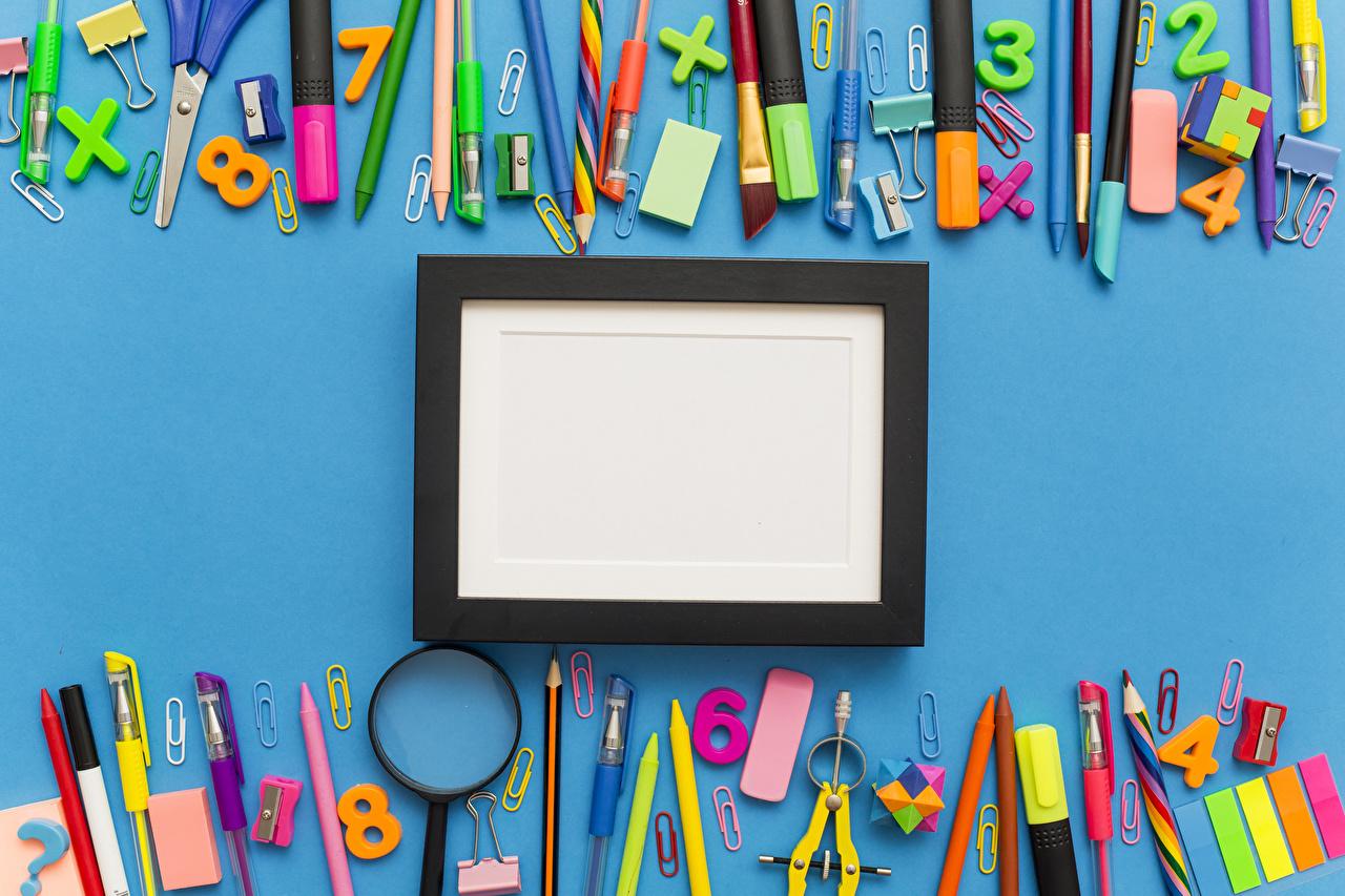 Фотографии школьные Лупа Карандаши Шариковая ручка Шаблон поздравительной открытки Цветной фон Школа карандаш карандаша карандашей Увеличительное стекло