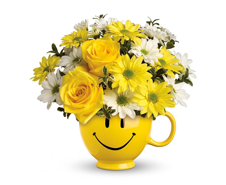 Обои смайлики Букеты Розы Цветы Хризантемы Ваза Белый фон Смайлы