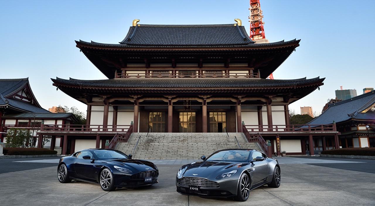 Фотография Aston Martin Япония temple Zojo-JI, DB11 JP-spec, 2017 Купе 2 Пагоды машины Астон мартин два две Двое вдвоем авто машина Автомобили автомобиль