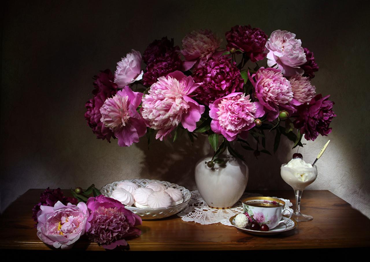 Картинка Чай Зефир Мороженое пион Вишня Цветы Ваза чашке Натюрморт Пионы цветок Черешня вазе вазы Чашка