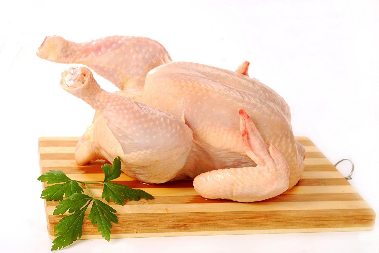 Фотографии Пища Разделочная доска Белый фон Мясные продукты Еда Продукты питания