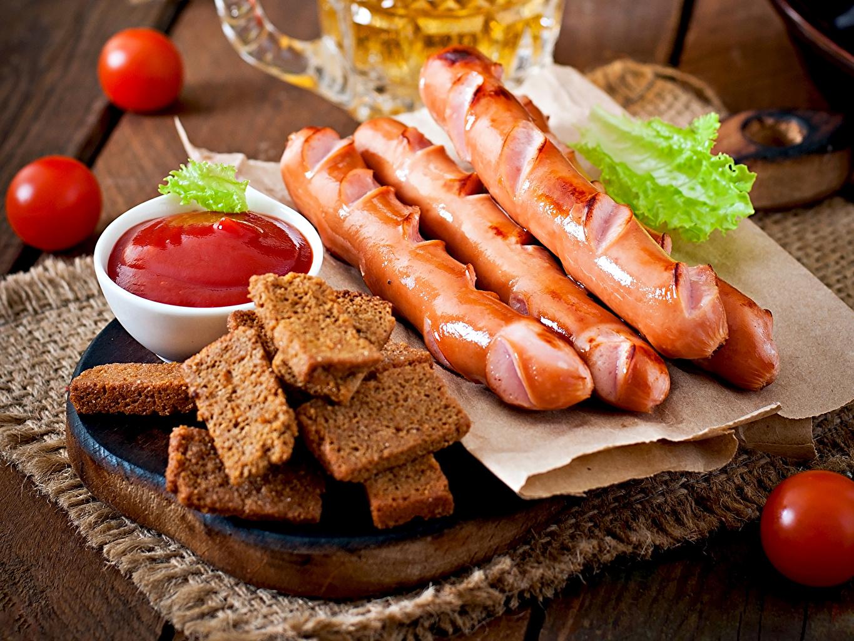 Картинки Помидоры Хлеб кетчупа Сосиска Пища Мясные продукты Томаты Кетчуп кетчупом Еда Продукты питания