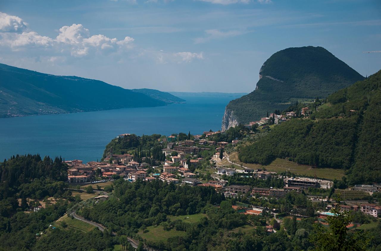 Фото Италия Lake Garda, Lago di Garda Озеро Сверху город Города