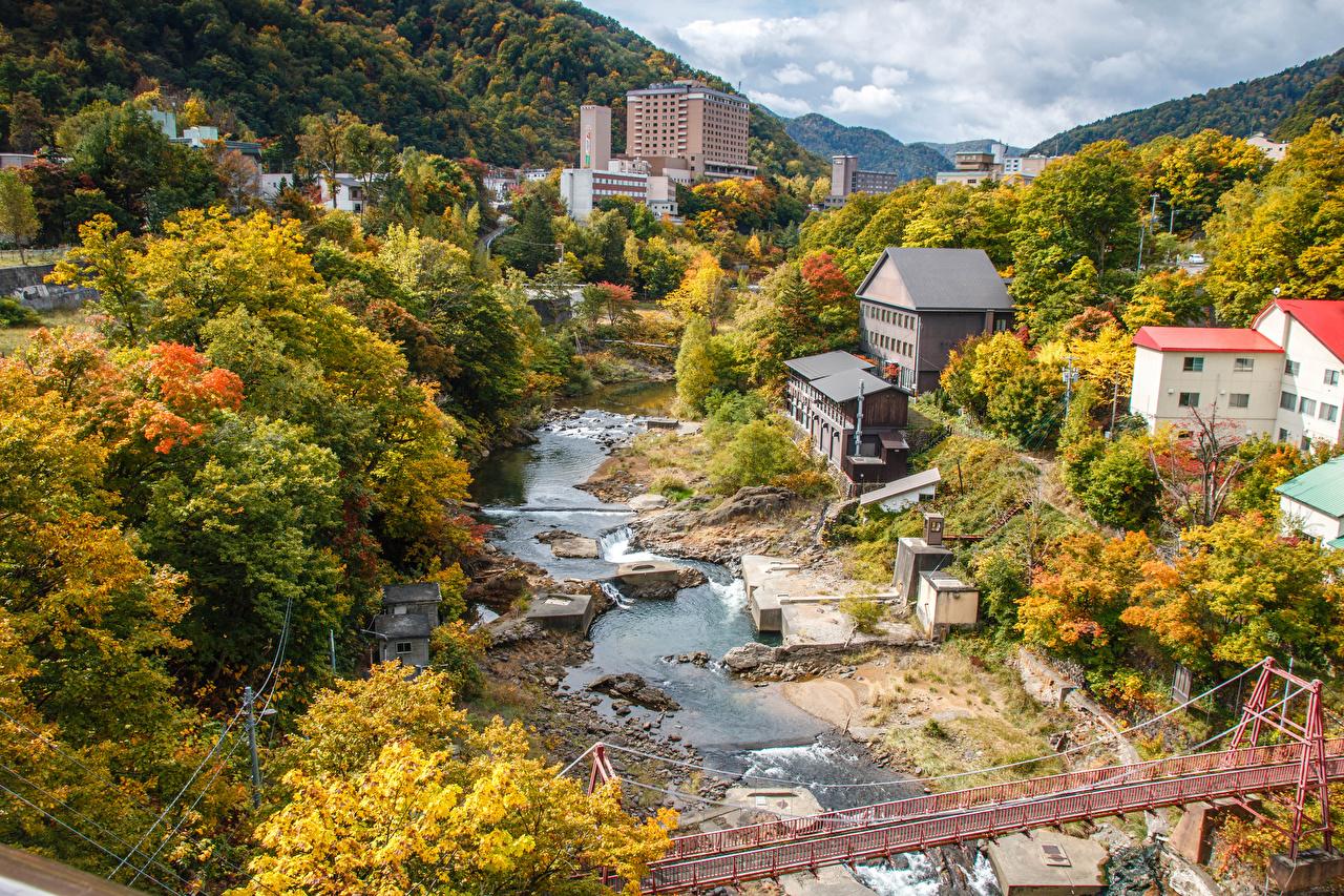Обои для рабочего стола Япония Jozankei Hokkaido мост Осень река Города Здания Мосты осенние Реки речка Дома город