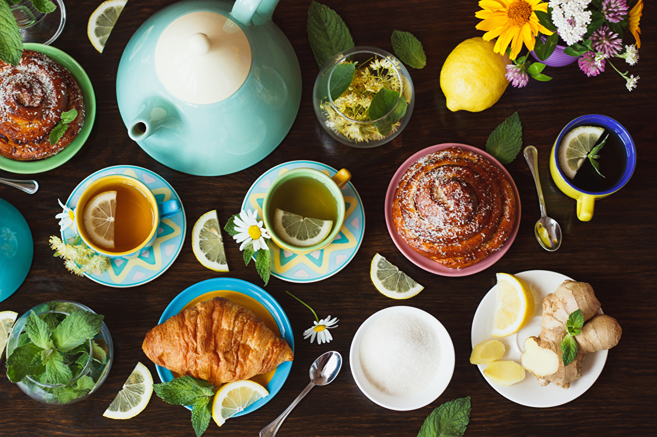 Обои Чай Круассан Лимоны Чайник Еда чашке накрытия стола Пища Чашка Продукты питания Сервировка