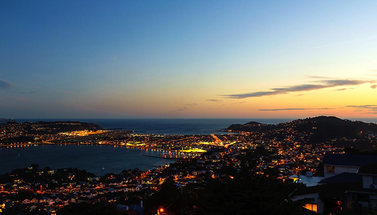 Картинки Новая Зеландия Wellington Небо Ночь речка Горизонт город Реки река ночью в ночи Ночные горизонта Города