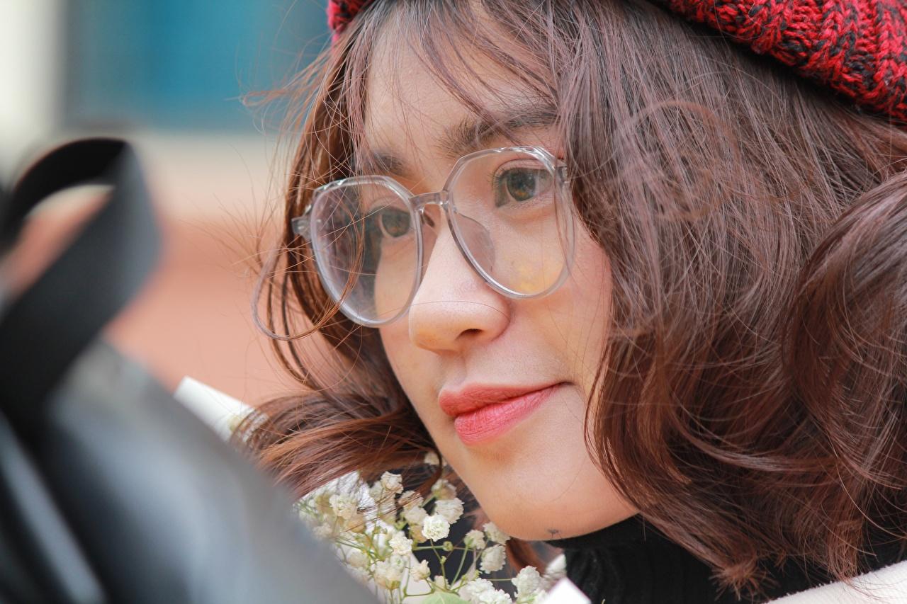 Фотографии шатенки лица Девушки азиатка очков смотрят Крупным планом Шатенка Лицо девушка молодая женщина молодые женщины Азиаты азиатки Очки очках вблизи Взгляд смотрит