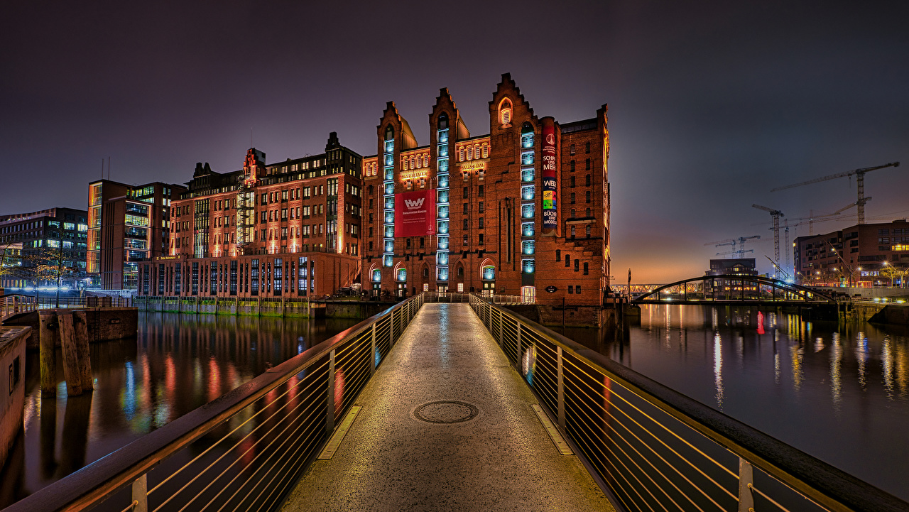 Фото Гамбург Германия Maritimes Museum Мосты речка Дома город мост Реки река Здания Города