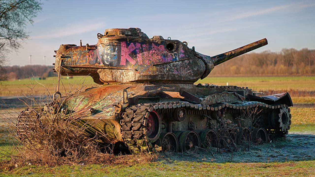 Обои для рабочего стола танк Английский Американские M47 Patton II Слово - Надпись Старый Армия Танки английская инглийские американский американская слова текст старая старые военные