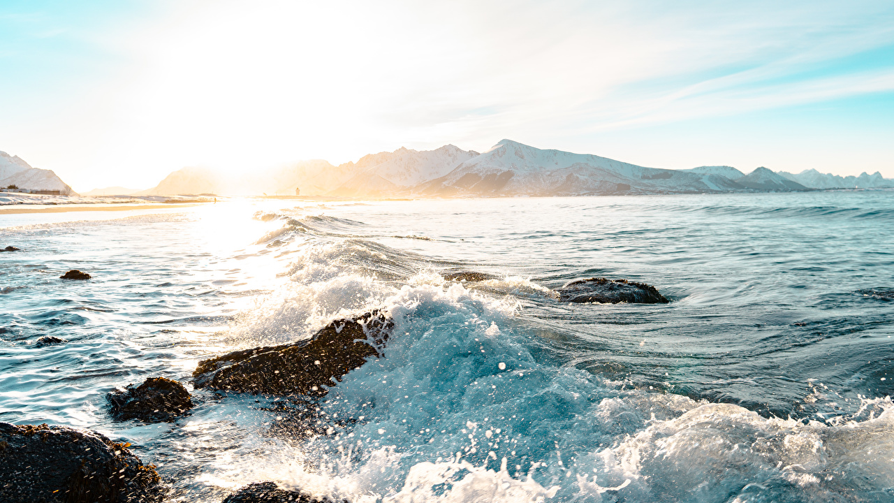 Фотография Горы Природа Волны Брызги Рассветы и закаты Камень гора с брызгами рассвет и закат Камни
