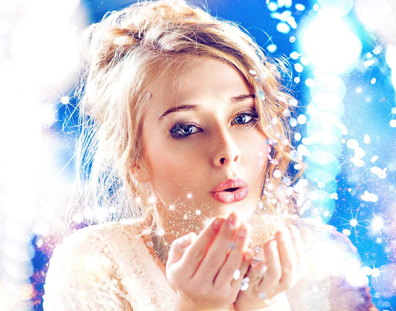 Фотографии Блондинка Лицо девушка Снежинки смотрят блондинок блондинки лица Девушки снежинка молодые женщины молодая женщина Взгляд смотрит