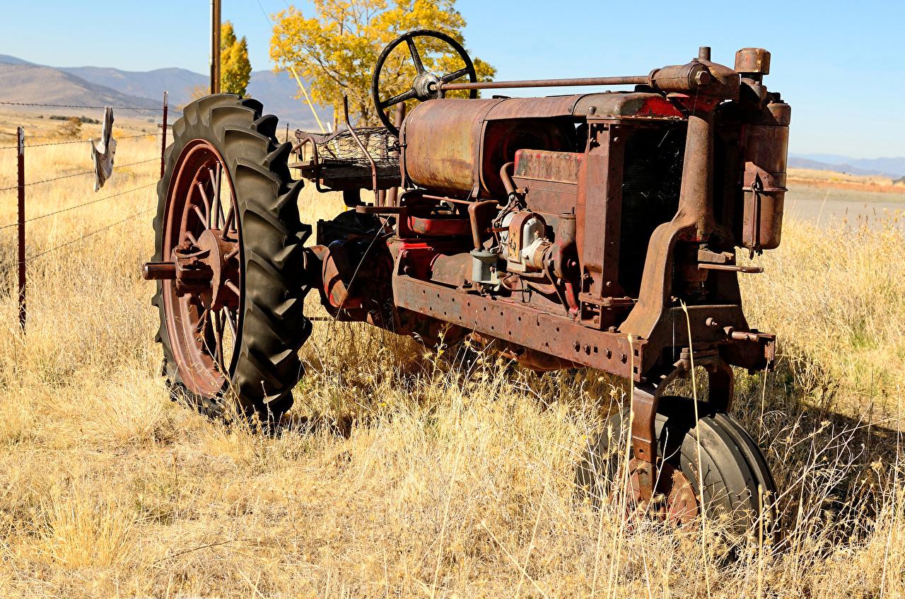 Картинки Трактор Старый