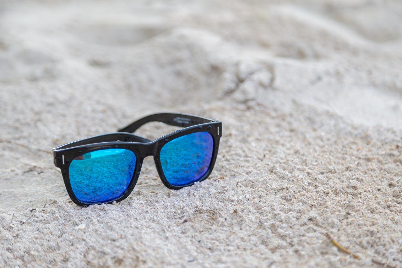 Картинки Песок очках вблизи песка песке Очки очков Крупным планом
