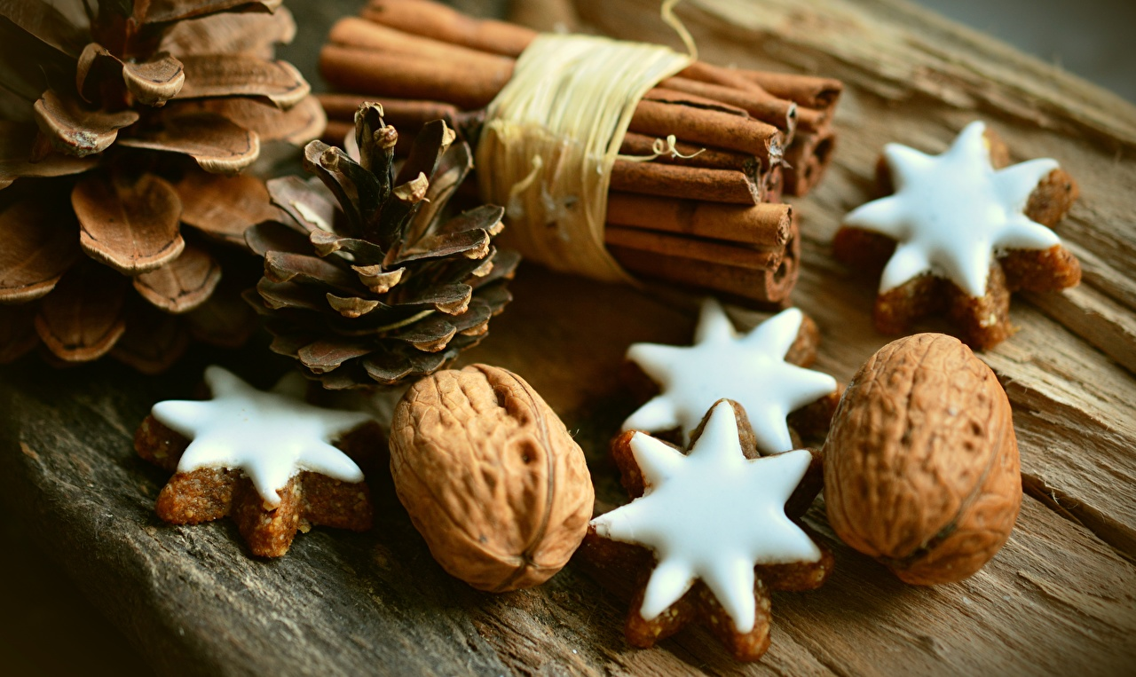 Картинки Еда шишка Печенье Звездочки Грецкий орех Орехи Пища Продукты питания Шишки
