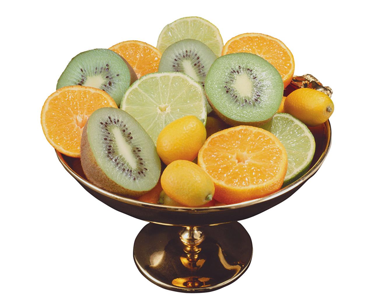 Фотографии Апельсин Киви Лимоны Еда Фрукты Белый фон Пища Продукты питания