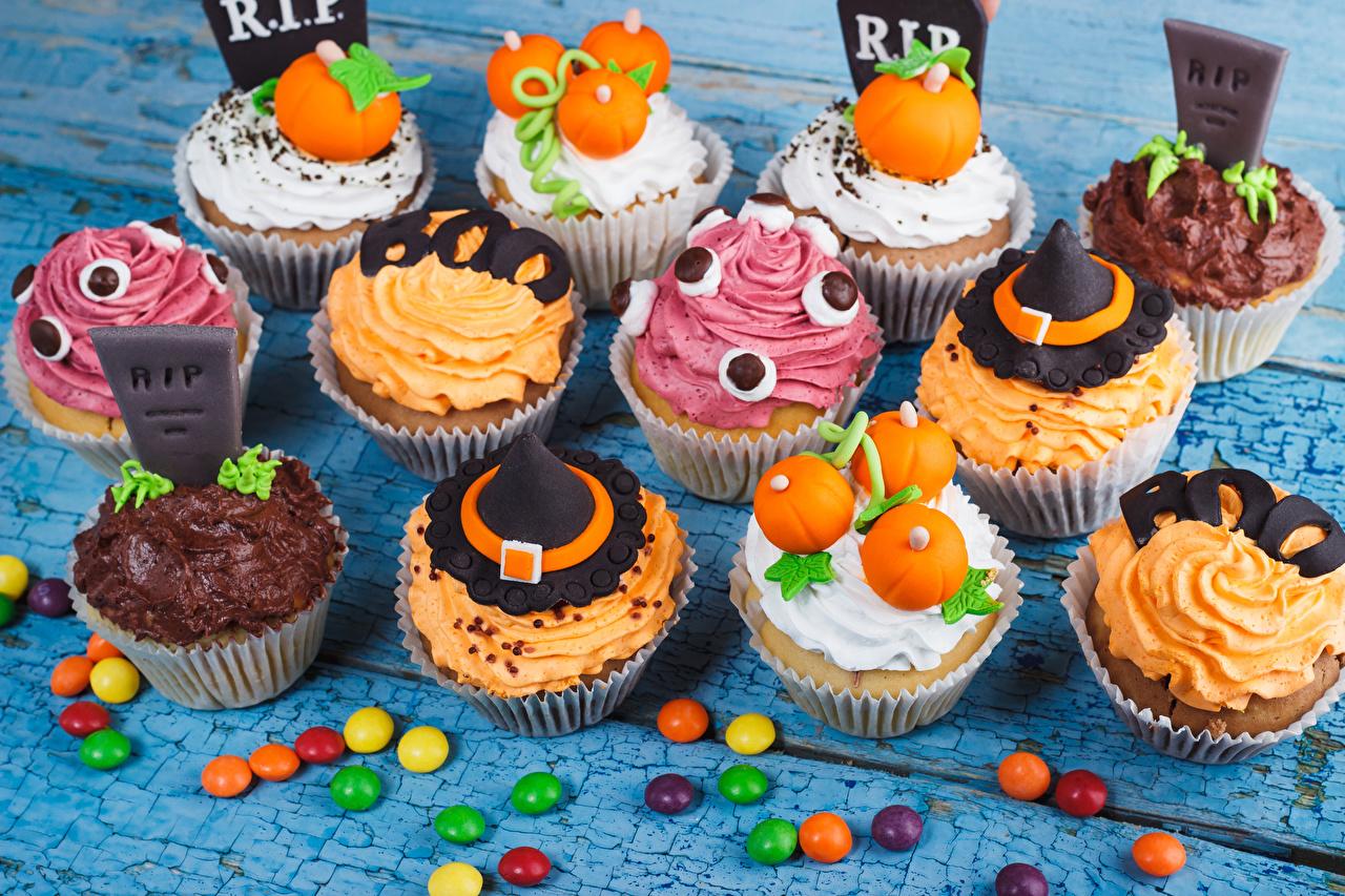 Фото Конфеты Хеллоуин Капкейк кекс Продукты питания Пирожное Сладости Дизайн Еда Пища дизайна