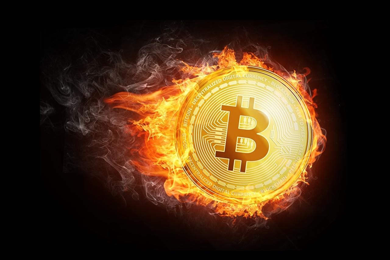 Фотография Bitcoin Монеты Огонь на черном фоне Биткоин пламя Черный фон