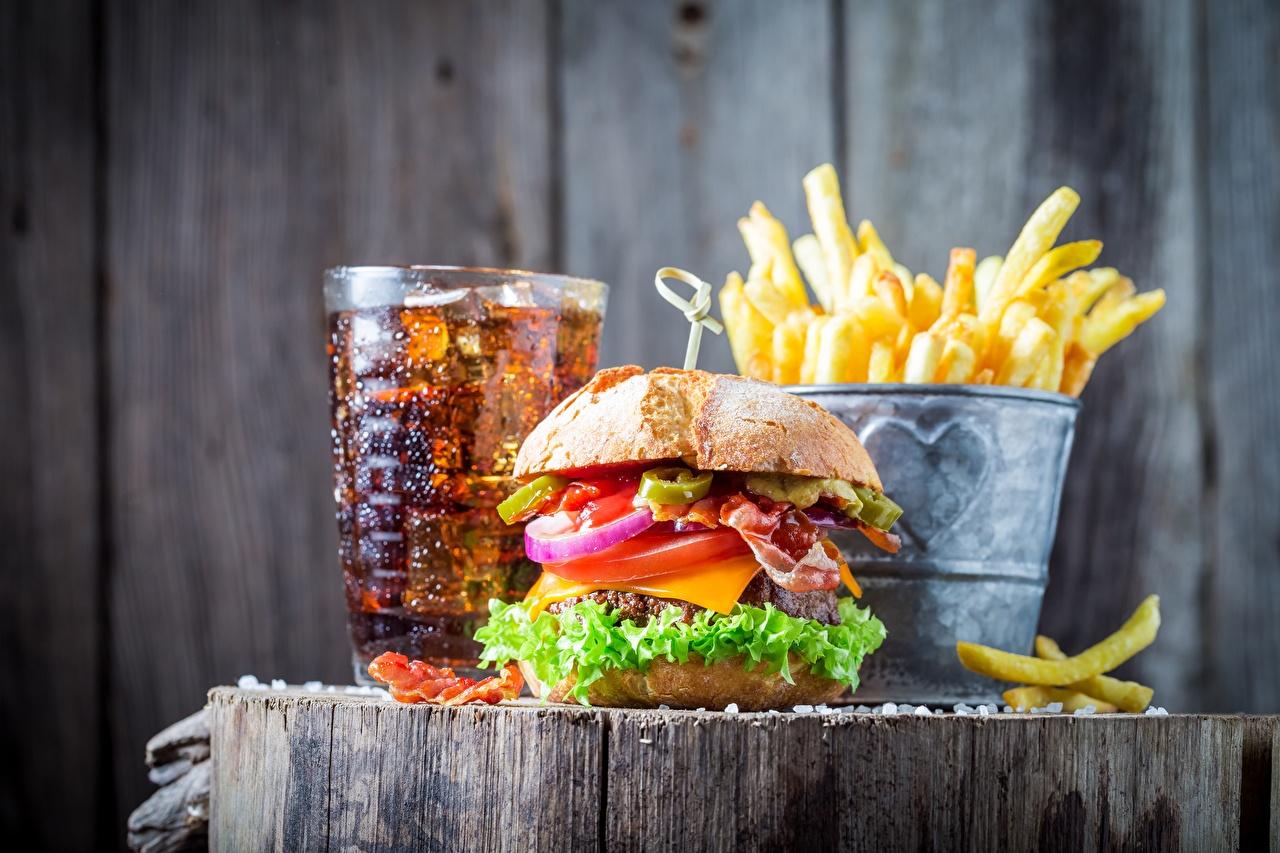 Фото Кока-кола Гамбургер Картофель фри Фастфуд Еда Coca-Cola Быстрое питание Пища Продукты питания