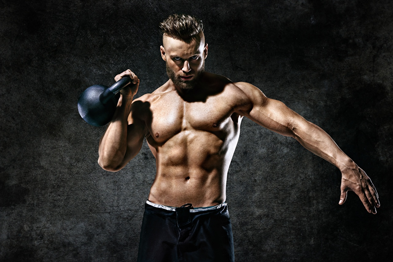 Фото Мышцы Мужчины Гиря Фитнес Спорт рука Живот мужчина мускулы спортивные спортивная спортивный Руки живота