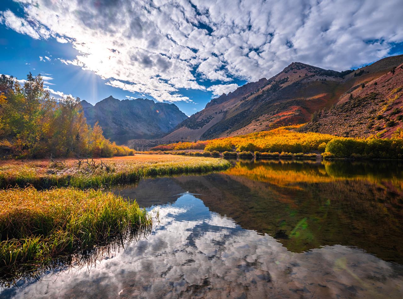 Фотографии США Kebler Pass гора осенние Природа Пейзаж река Облака штаты америка Горы Осень Реки речка облако облачно