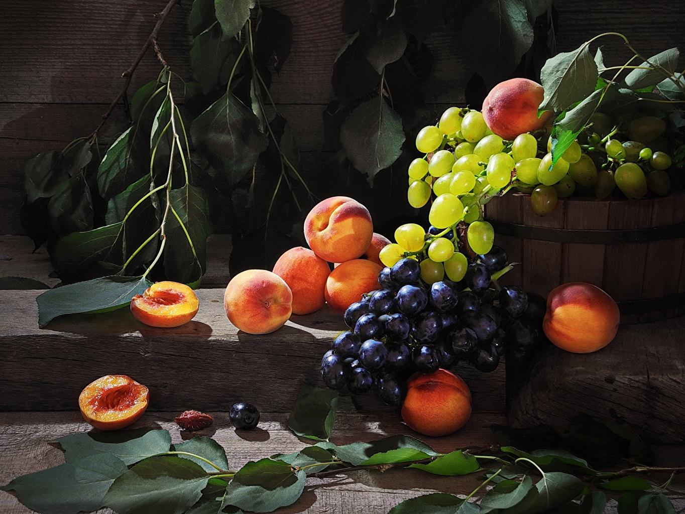 Картинки Sergey Funtovoy Персики Виноград Еда Натюрморт Пища Продукты питания