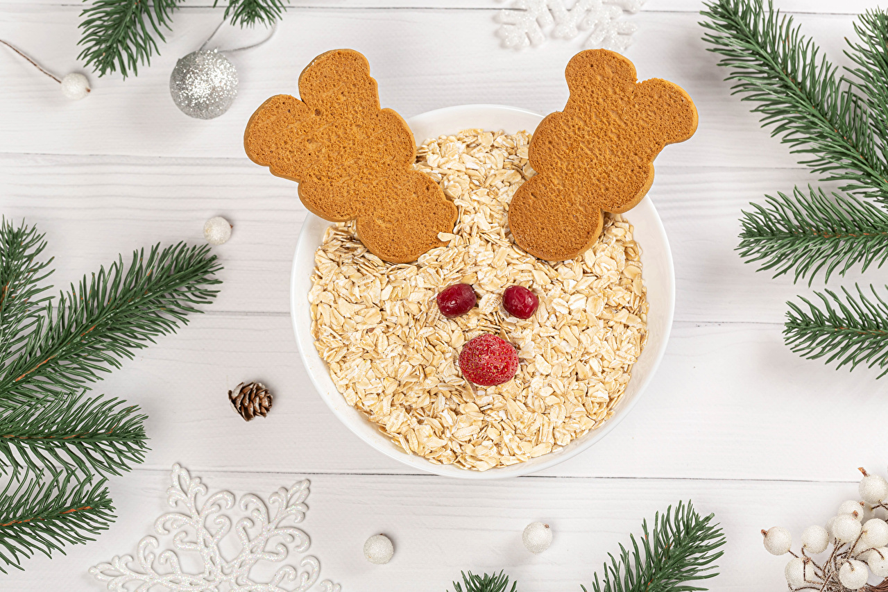 Картинки Новый год овсяная Еда ветка Шарики Печенье Доски Рождество Овсянка Шар Пища ветвь Ветки на ветке Продукты питания