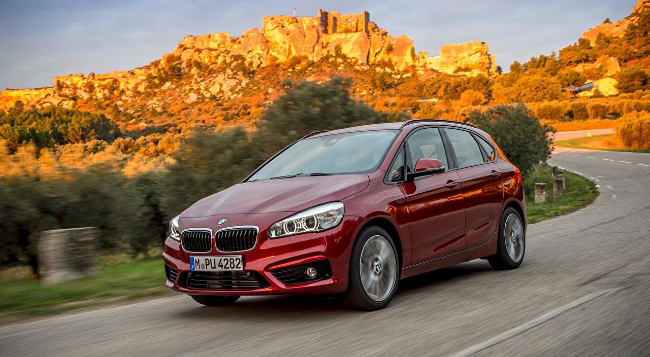 Картинки BMW Hatchback, 220d xDrive, Active Tourer, 2014 красные едущий машина Металлик БМВ красная Красный красных едет едущая Движение скорость авто машины Автомобили автомобиль