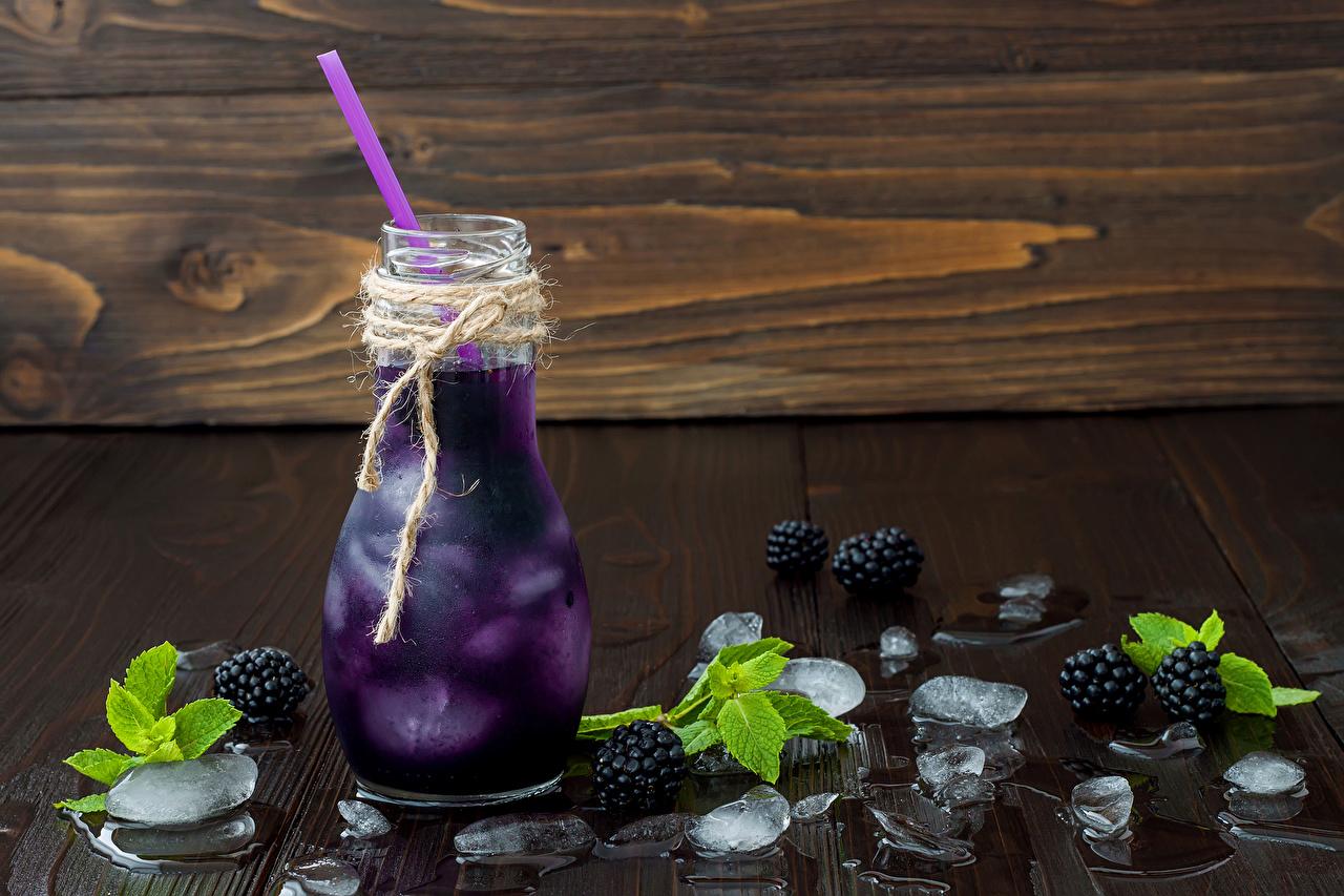 Обои для рабочего стола Лед Ежевика бутылки Продукты питания напиток льда Еда Пища Бутылка Напитки