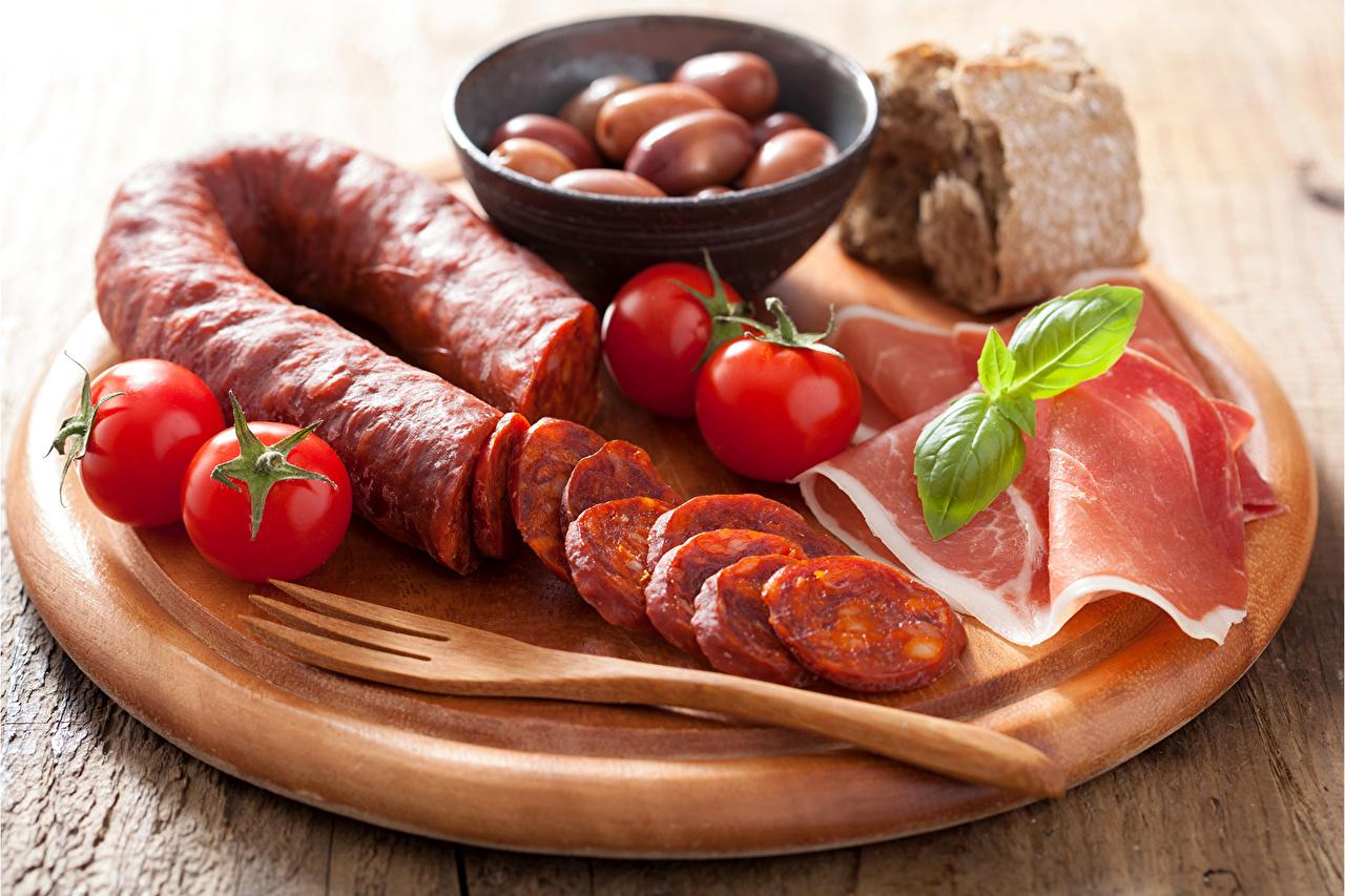 Фотография Колбаса Помидоры Ветчина Еда Мясные продукты Томаты Пища Продукты питания