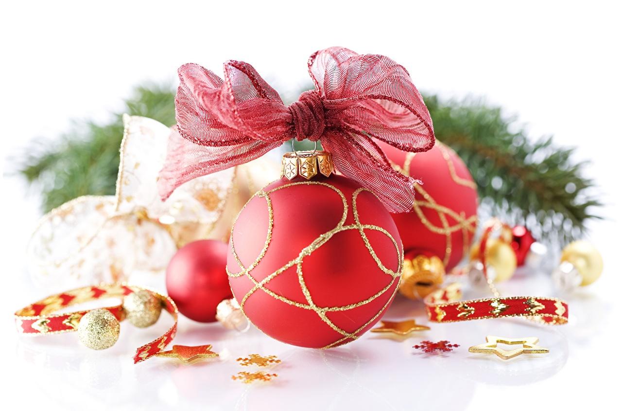 Фото Рождество красные Шар Бантик Крупным планом Новый год красная Красный красных бант Шарики бантики вблизи