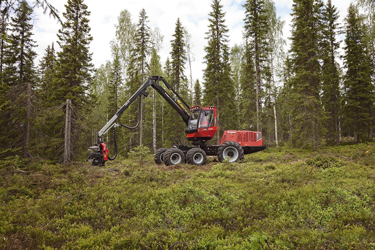 Обои для рабочего стола 2009-10 Valmet 901TX Harvester Ель лес ели Леса
