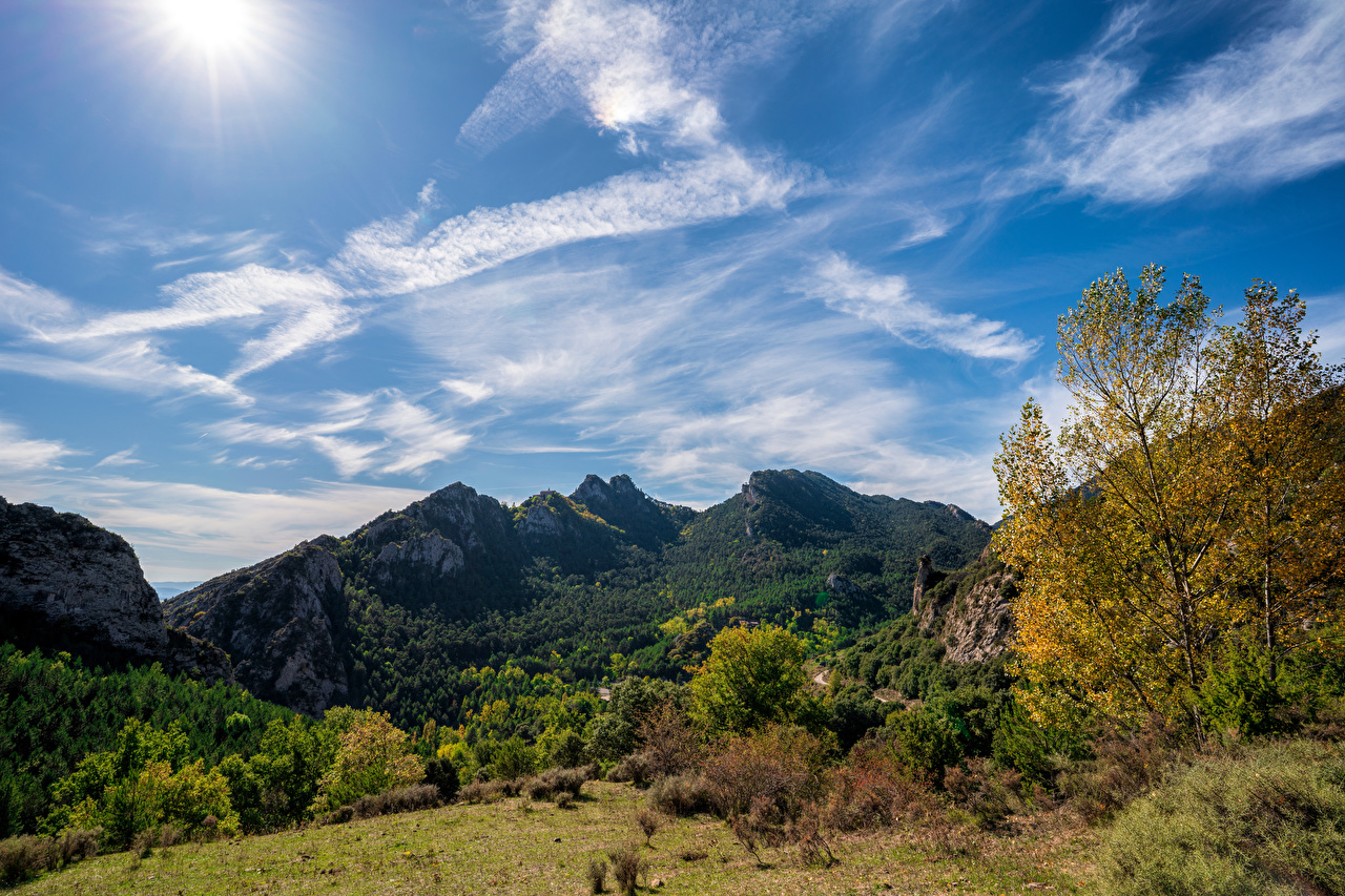 Картинка Испания Berga, Catalonia Горы Природа Небо облако Деревья гора Облака дерево дерева облачно деревьев