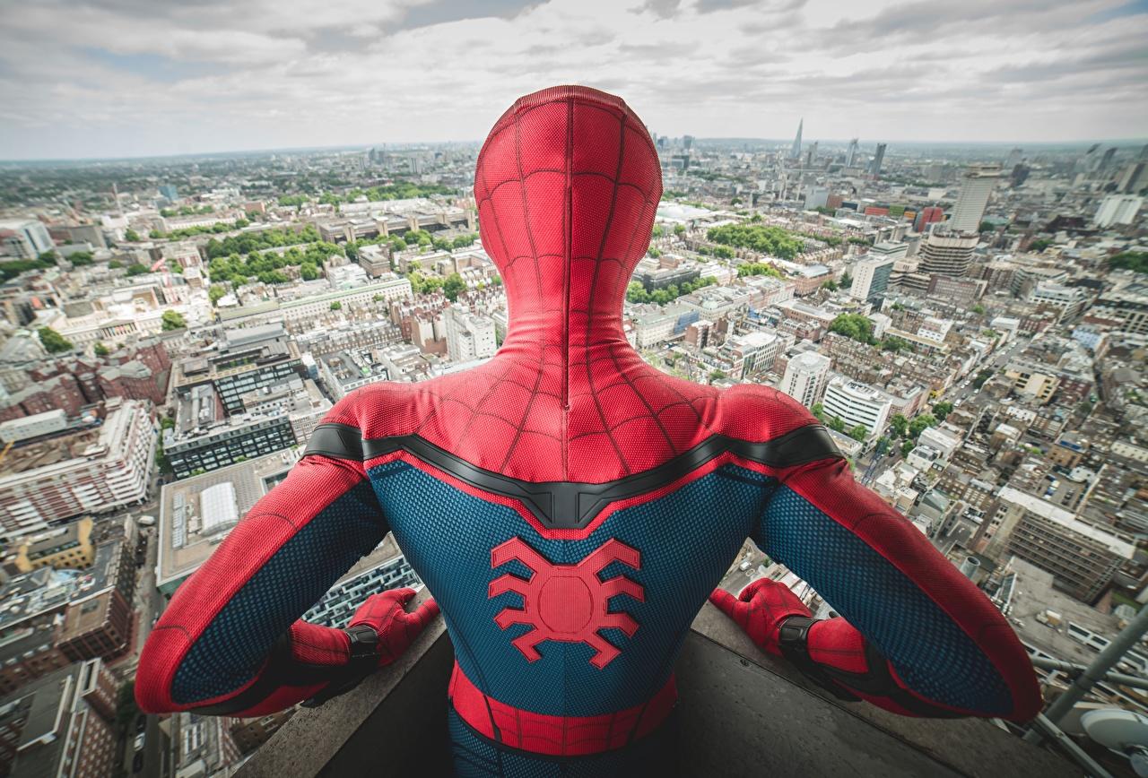 Фотографии Человек-паук: Возвращение домой Человек паук герой Спина Фильмы Сзади Кино вид
