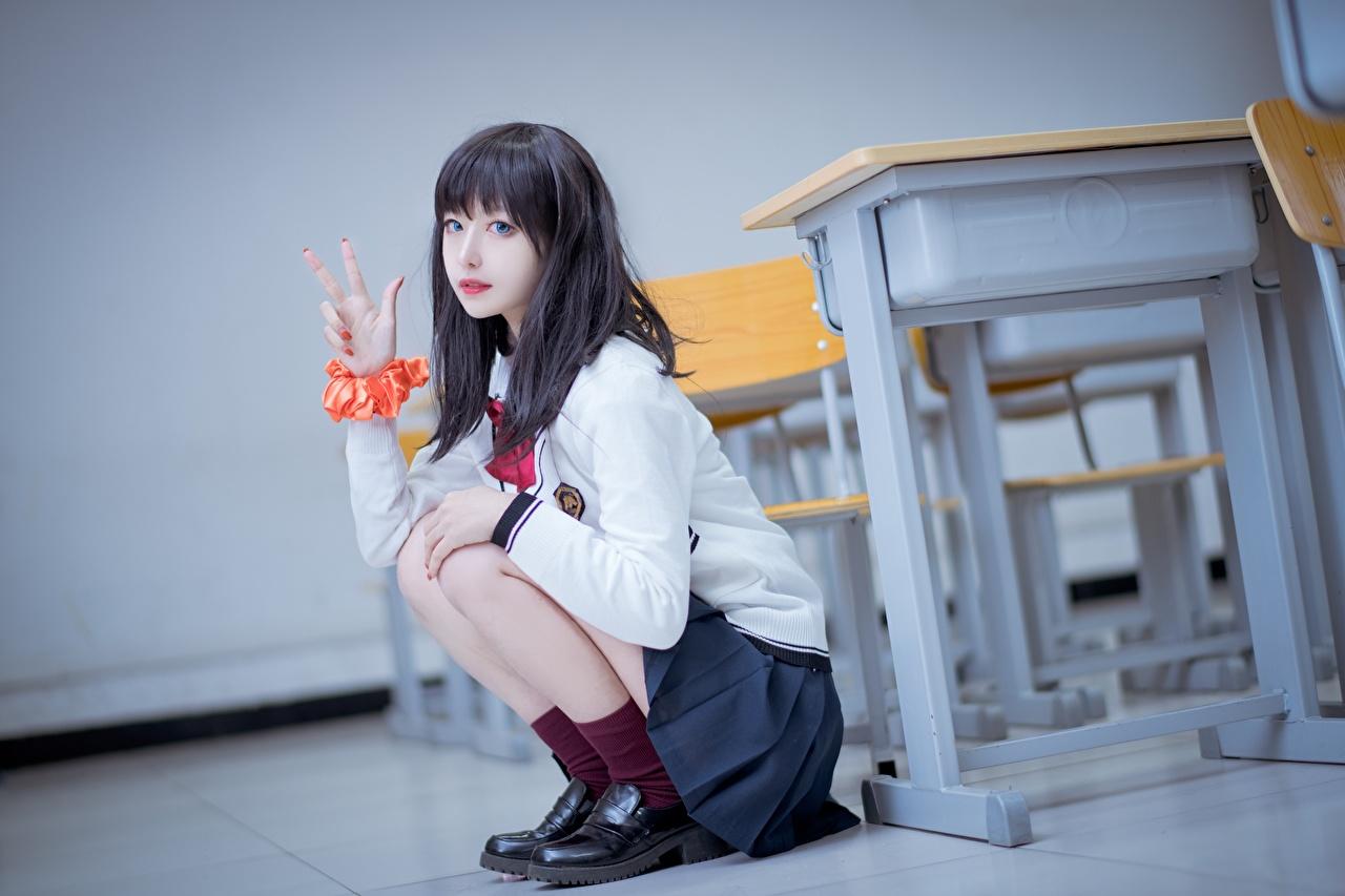 Обои для рабочего стола ученица Брюнетка Жест Размытый фон молодая женщина азиатка сидя рука брюнетки брюнеток Школьница Школьницы жесты боке девушка Девушки молодые женщины Азиаты азиатки Руки Сидит сидящие