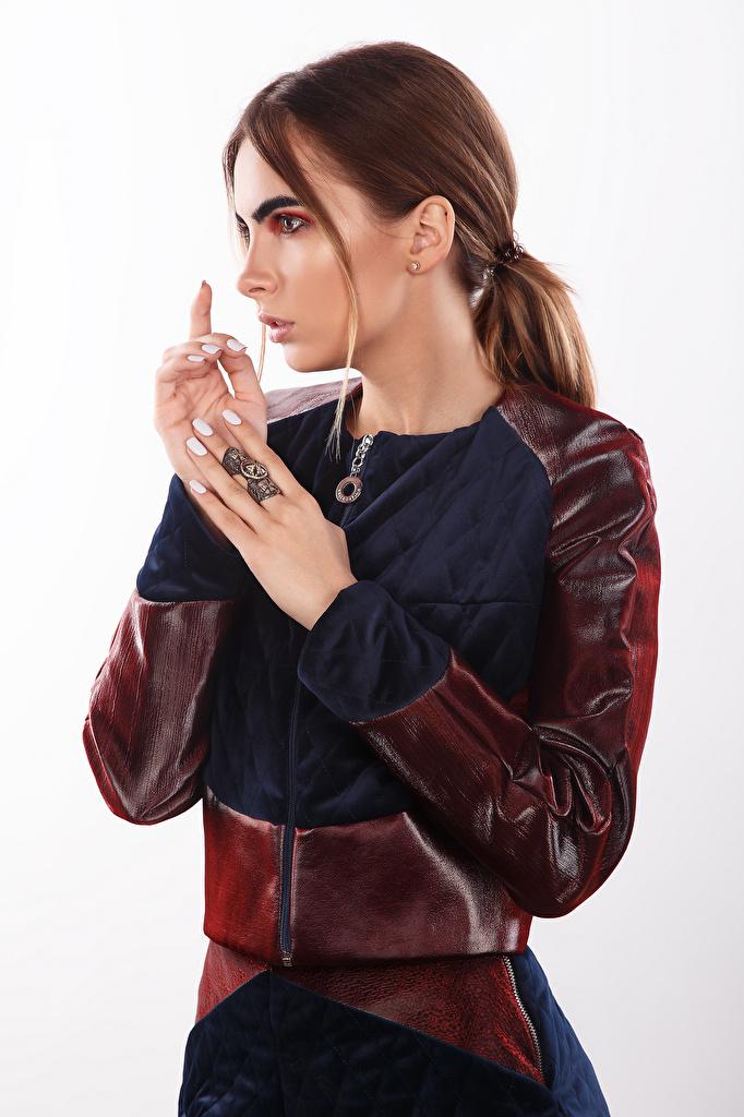 Фотографии Viacheslav Krivonos шатенки фотомодель Макияж Alisa молодые женщины Руки  для мобильного телефона Шатенка Модель мейкап косметика на лице девушка Девушки молодая женщина рука