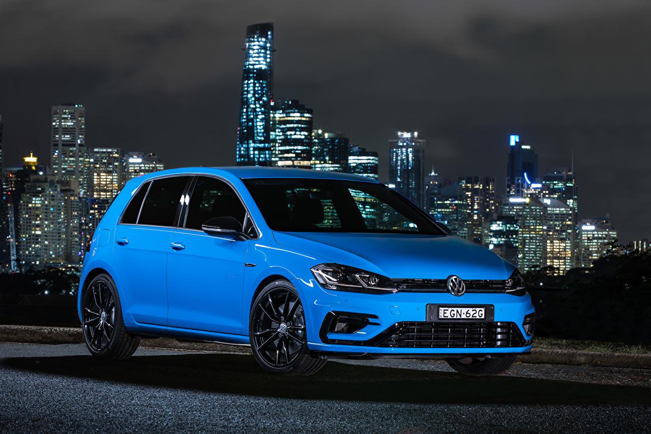 Фотографии Volkswagen 2020 Golf R 5-door Final Edition Голубой машина Металлик Фольксваген голубая голубые голубых авто машины Автомобили автомобиль
