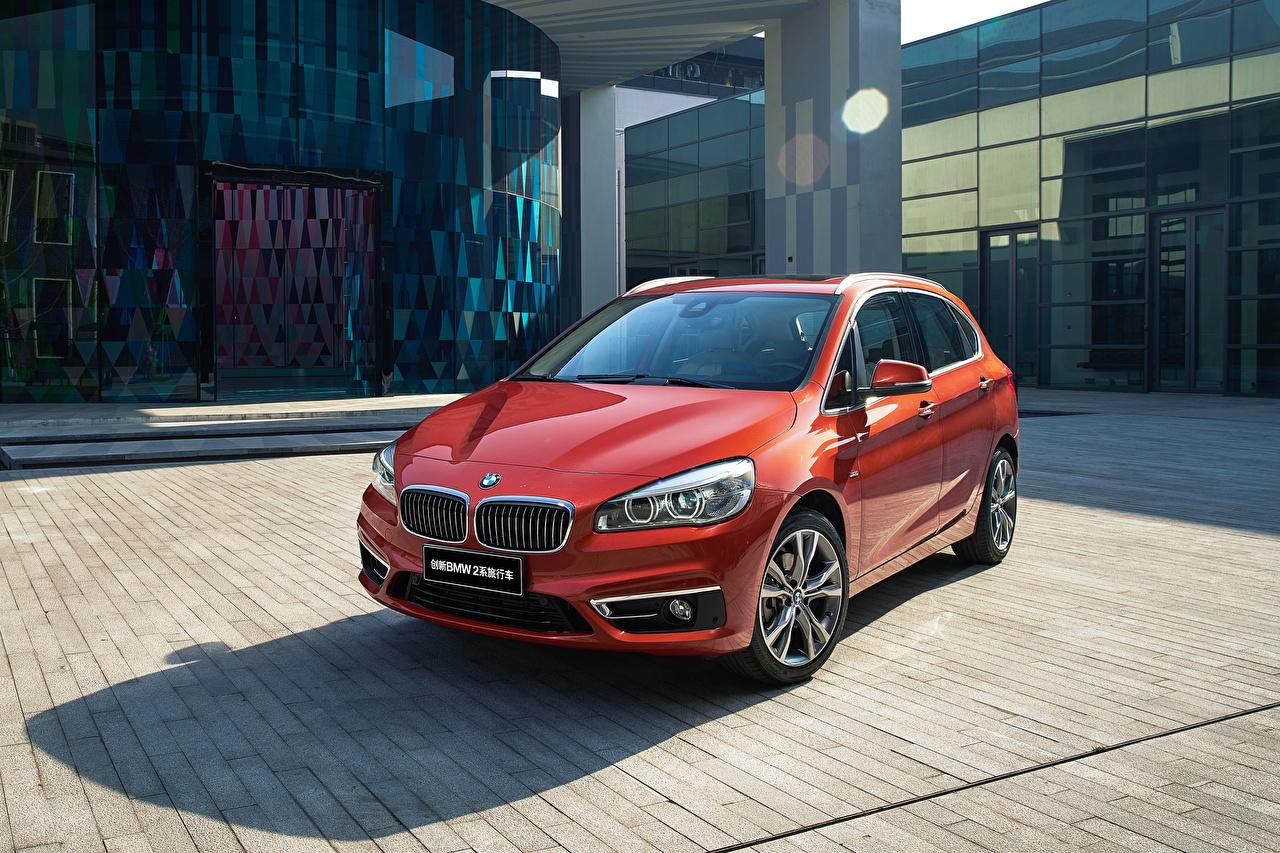 Картинки BMW 2016 220i Active Tourer Luxury Line Красный машина Металлик БМВ красных красные красная авто машины автомобиль Автомобили