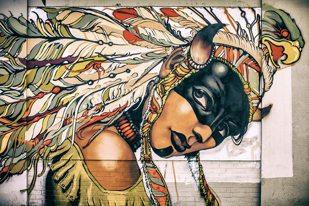 Картинки молодые женщины Индейский головной убор стенка с рогами Перья Граффити Маски Индейцы Рисованные девушка Девушки молодая женщина Стена стены стене Рога индеец индейца